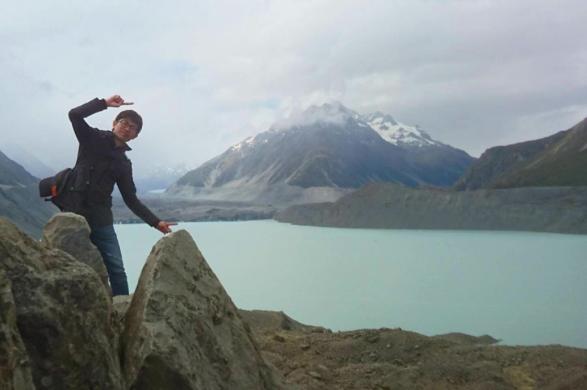 大学院時代のニュージーランド旅行。「海外旅行が趣味です。暇さえあれば海外に行っています。英語が話せる、というアドバンテージがあることで世界どこに行っても臆せず、現地の人とコミュニケーションをとったりできます。」